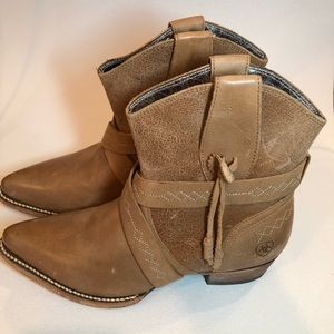 Ariat stagecoach western short boot tawny